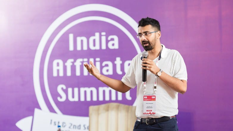 Harsh-Agrawal-India-Affiliate-Summit-blogger-shoutmeloud